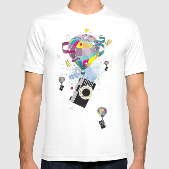 Traveling camera T-shirt