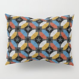 Retro Stylish texture with interlacing rings on dark background illustration pattern. Pillow Sham