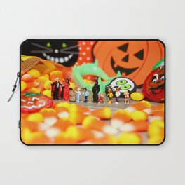 Death Takes His Kids Trick or Treating Laptop Sleeve