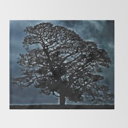 Tree. A simple tree. Throw Blanket