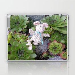 Mouse in minigarden Laptop & iPad Skin