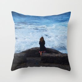 Ocean lover, meditation in front of the sea Throw Pillow