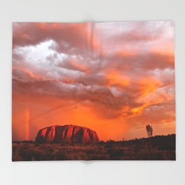 Uluru's Finest Throw Blanket