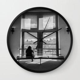 Ventana al mundo Wall Clock