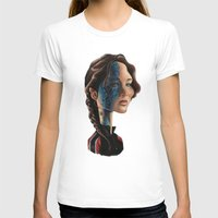 jennifer lawrence T-shirts featuring Jennifer Lawrence as Katniss Everdeen by Owen Ballesteros