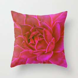 Suculenta Roja Throw Pillow
