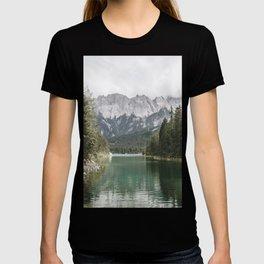 Looks like Canada - landscape photography T-shirt