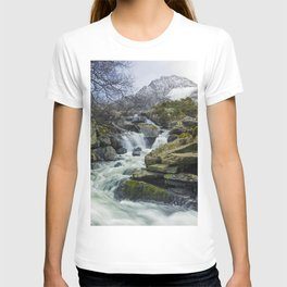 Snow Covered Tryfan T-shirt