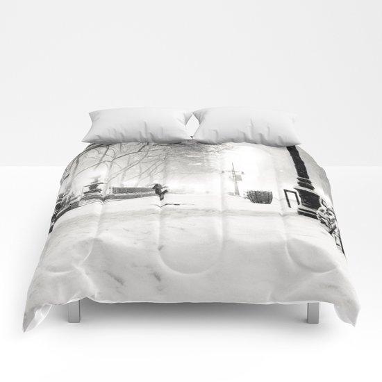 Snow - New York City - Bryant Park Comforters
