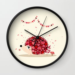 Hérissonne amoureuse Wall Clock