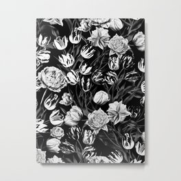 Black & White Floral pattern Metal Print