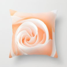 Rose´s heart I- Beautiful roses flower in pink Throw Pillow