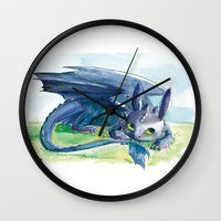 how to train your dragon Wall Clocks featuring How to Train Your Dragon - Toothless by PinStripes Studios