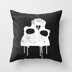 GRUNGE BACKGROUND WITH SKULL Throw Pillow