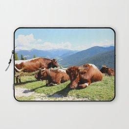 Berglandschaft mit Kuhherde Laptop Sleeve