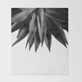 Agave fringe - noir Throw Blanket