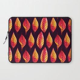 Vibrant autumn leaves pattern Laptop Sleeve