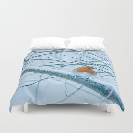 Robin in the cold Duvet Cover