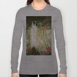 Issey on the bed Long Sleeve T-shirt