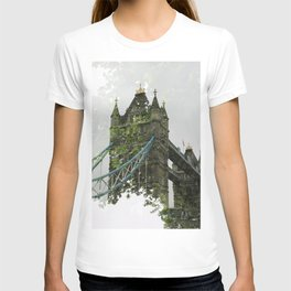 Tower Bridge in London T-shirt