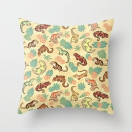 Gecko family in yellow Throw Pillow
