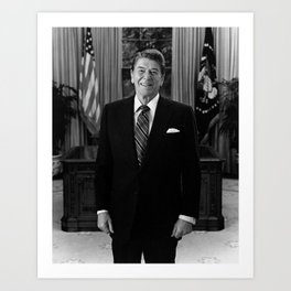 Ronald Reagan In The Oval Office Art Print