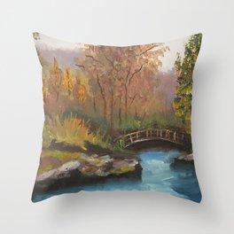 Un puente olvidado sobre un río Throw Pillow