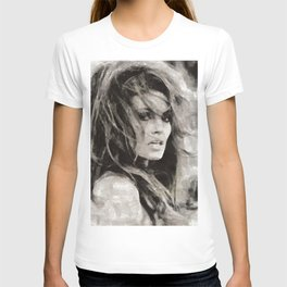 Raquel Welch Portrait T-shirt
