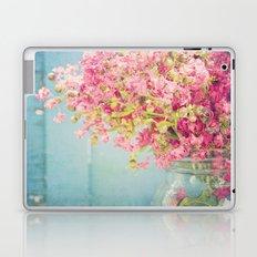 oh crepe Laptop & iPad Skin