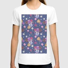 Guinea Pig Pattern on Deep Blue T-shirt