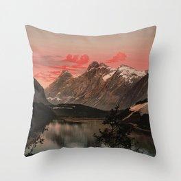 """""""Kongen Dronningen og Bispen Norway"""" Throw Pillow"""