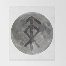 Viking bind rune 'Protection' on moon. Throw Blanket