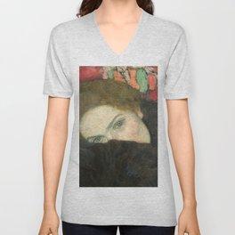 Gustav Klimt – Dame mit Muff Unisex V-Neck
