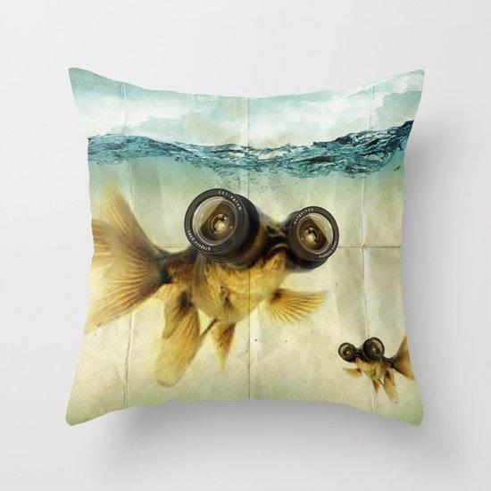 Fish eye lens 02 Throw Pillow