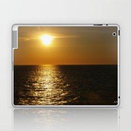 Horizontal Horizon  Laptop & iPad Skin