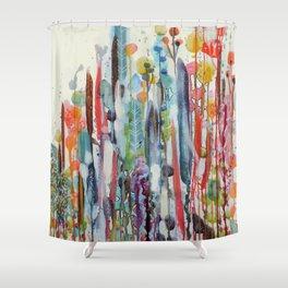 petit jardin 2 Shower Curtain