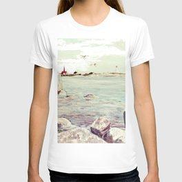 Peggy's Cove, Nova Scotia, CANADA   by Kay Lipton T-shirt