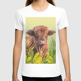 Highland Cow with grass Illustration Design T-shirt