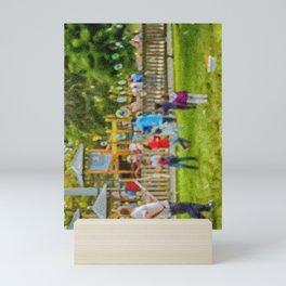 les bulles de savon Mini Art Print