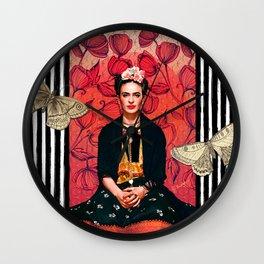 Frida enamorada Wall Clock