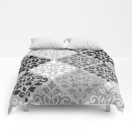 Scroll Damask Ptn Art BW & Grays Comforters