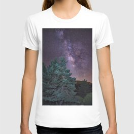 Milkyway at the mountains. Saggitarius and Rho Ophiuchus T-shirt