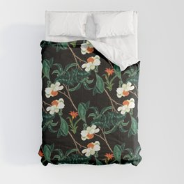Moody retro floral pattern Comforters