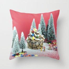 Christmas cupcake Throw Pillow