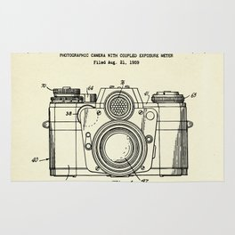 Photographic Camera with coupled exposure meter-1962 Rug
