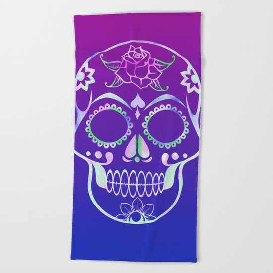 Love Skull (violette gradient) Beach Towel