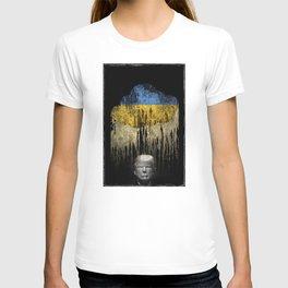 Trump Under The Ukrainian Cloud. When it rains, it pours. T-shirt