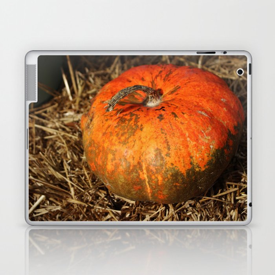 Pumpkin Says Pick Me Laptop & iPad Skin