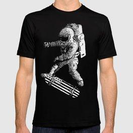 Kickflip in space T-shirt