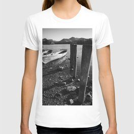 rowing boats on derwentwater T-shirt